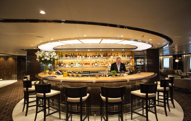 Bar op luxe cruiseschip