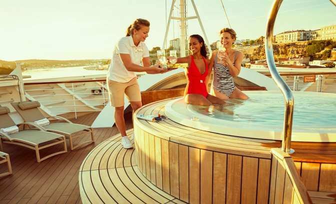 relax in bubbelbad Seabourn Encore